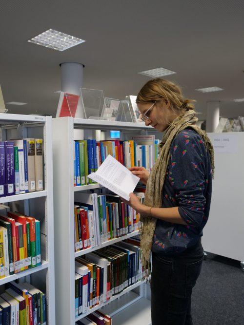 Bibliothek 28.8.20 geschlossen (interne Fortbildung)